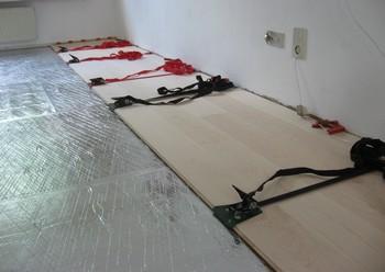 Houten Vloer Lijmen : Laminaat lijmen hoe bevestig je laminaat op de muur with laminaat